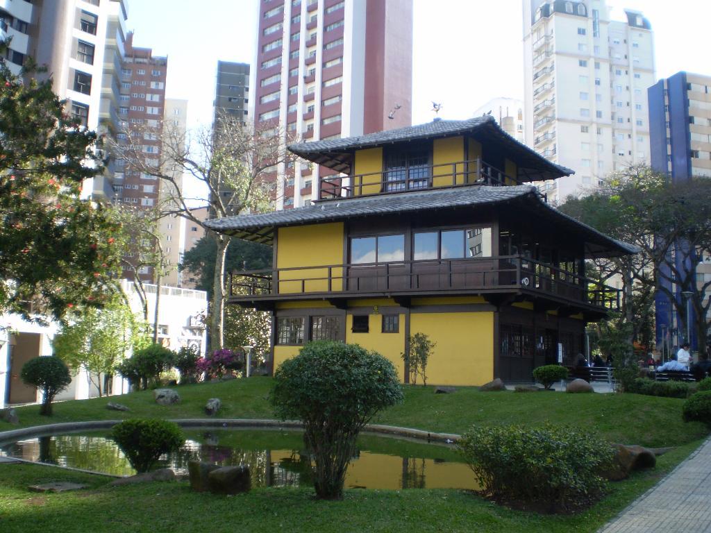 Desfrute de um dos melhores bairros de Curitiba, venha morar em Água Verde