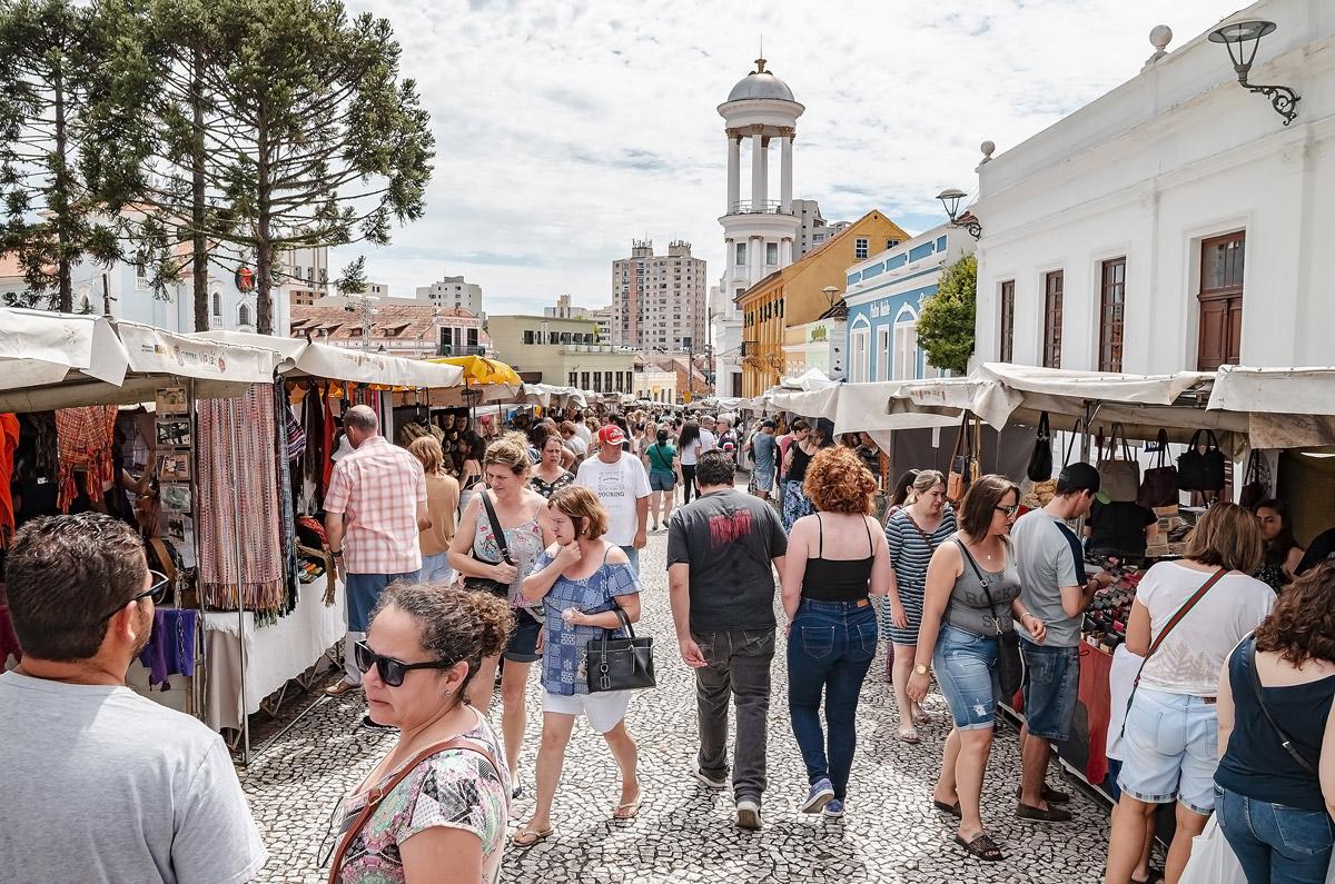 Feirinhas de Curitiba: um show de gastronomia e lazer