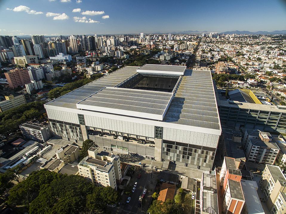 Jogos e shows na Arena da Baixada a uma distância do Terra Gutierrez